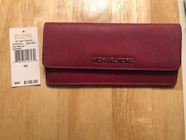 Michael Kors wallet new with tag (authentic)