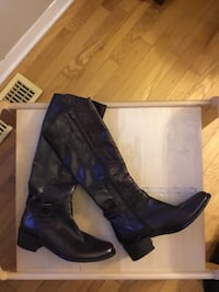 Pair of brown  new knee-high boots with box Gatineau, J8T 5G1