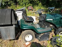 green and black ride on mower Macon, 31204
