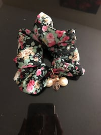 black and pink floral print brassiere Carson