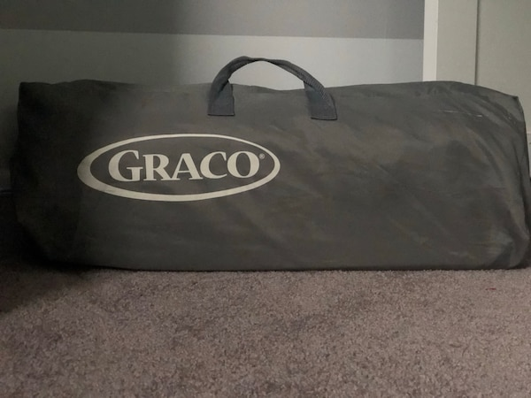 Graco Lite Travel Crib with Bassinet