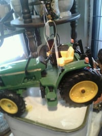 green and yellow ride on lawn mower Kearneysville, 25430