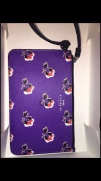 Purple and white floral leather wristlet New York, 10456