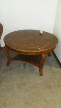 Round coffee table  Lansing, 48911