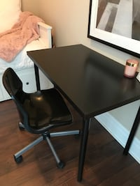 Desk and swivel chair Black