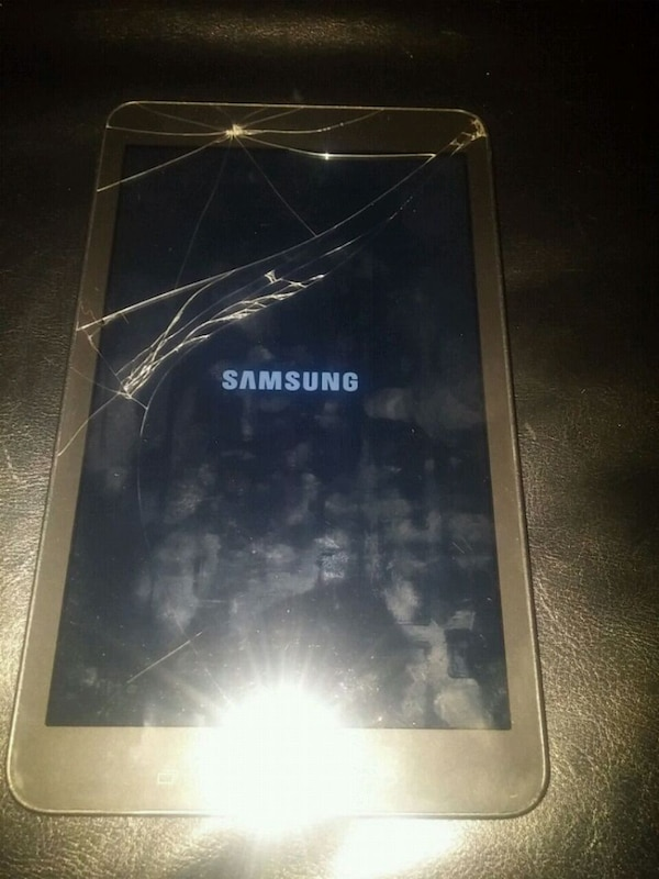 b21b3715c32 Used Samsung galaxy tab e. Screen cracked but does work for sale in Calgary  - letgo