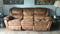 Couch Wilbraham, 01095