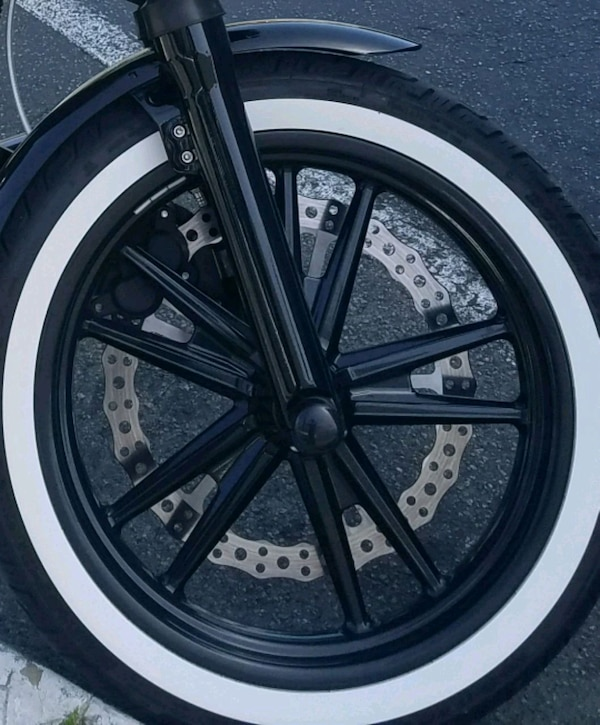 Used Harley Davidson Wheels >> Used Harley Davidson Dyna 19 Black Mag Front Wheel For Sale In