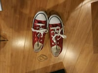 pair of red-and-white low top sneakers Bakersfield, 93304