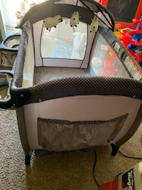 baby's gray and black travel cot District Heights, 20747