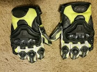 pair of yellow-and-black motorcycle gloves Norfolk, 23518