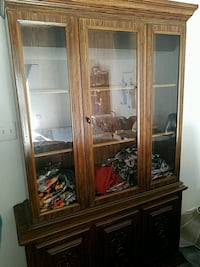 brown wooden framed glass display cabinet Waldorf, 20602
