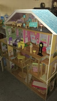 Wood doll house comes with wood furniture !!  Putnam, 06260