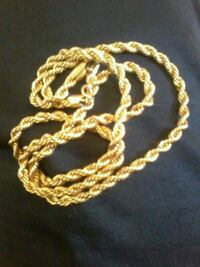 gold chain link necklace with lobster lock Calgary, T2B 1G3