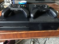 Black xbox one console with controller Long Beach, 90804