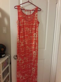 women's red and white sleeveless dress Ottawa, K1G