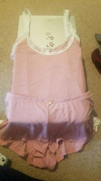 Victoria's Secret Pajama set size medium  Siloam Springs, 72761