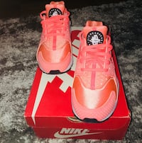pair of red Nike Air Max shoes with box Toronto, M4P 1K4