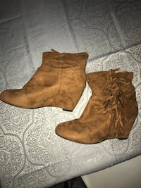 Paire de bottines marron 10€ Rillieux-la-Pape, 69140