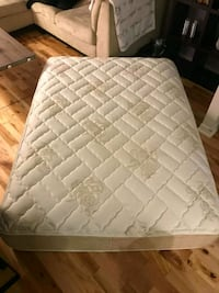 quilted white mattress Québec, G1X 3C5
