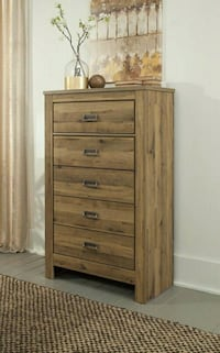 Cinrey Medium Brown Chest   Houston