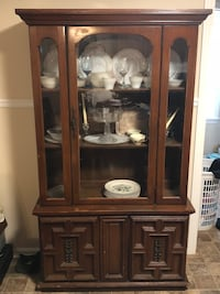 Brown wooden framed glass display cabinet Bowling Green, 42104