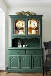 Farmhouse hutch / china cabinet (free delivery) Mississauga, L5L 3A9