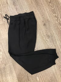 Lululemon on the fly joggers
