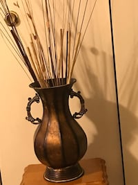 "16"" metal vase centerpiece with bamboo sticks new click on my profile picture on this page to check out my other items pm me if you interested gaithersburg md 20877 Gaithersburg, 20877"