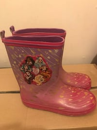 Ever After High rain boots size 3