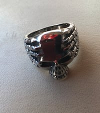 S/S skull ring. Size 10, bought it thru online for $129- but came wrong size. Brand new. Toronto, M1L 1B1