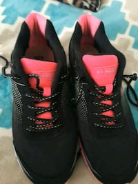 Women pink and black polo shoes size 8 Huntington Beach, 92648
