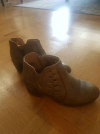 Size 13 kids shoes Toronto, M4K 3Y2