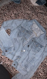 Jean jacket light washed never wore it brand new Montréal, H2A 1E7