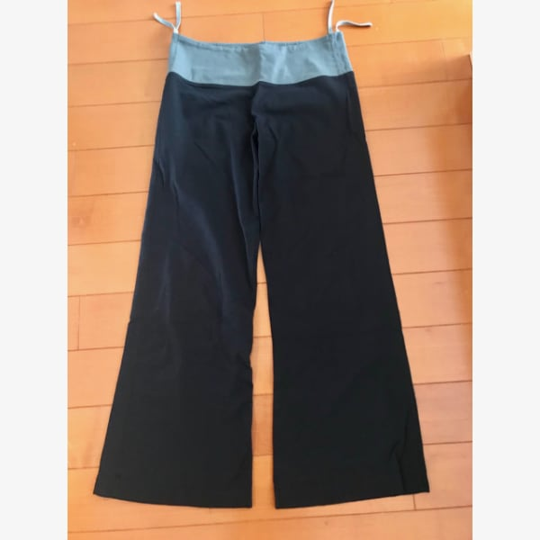 Lululemon pants (black with grey) 3554d078-a3df-4d4c-99ad-00d19547d235