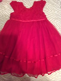 4T dress for girl (2 PCs available same size)
