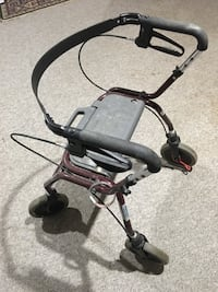 Collapsible walker with fully functional handbrakes