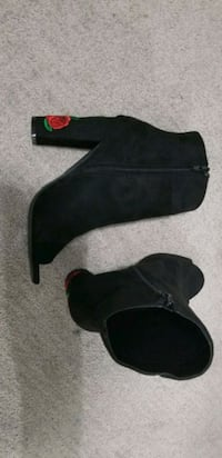 Black rose high heels Surrey, V3S 2L2