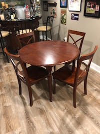 Kitchen table with chairs Pequannock Township, 07444
