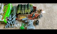 Dino track...8 PC's dinosaur and 240 track PCS and 2 battery operator  Gaithersburg, 20878