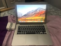 2016 MacBook Air 13 inch i5 256 HD like new  Cheverly, 20785