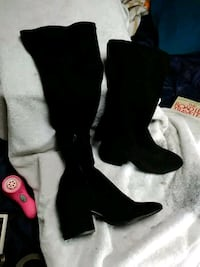 Very cute thigh high black size 8 1/2 d v boots. Eugene, 97402
