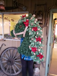 Large horse wreath  Wilsonville, 97070