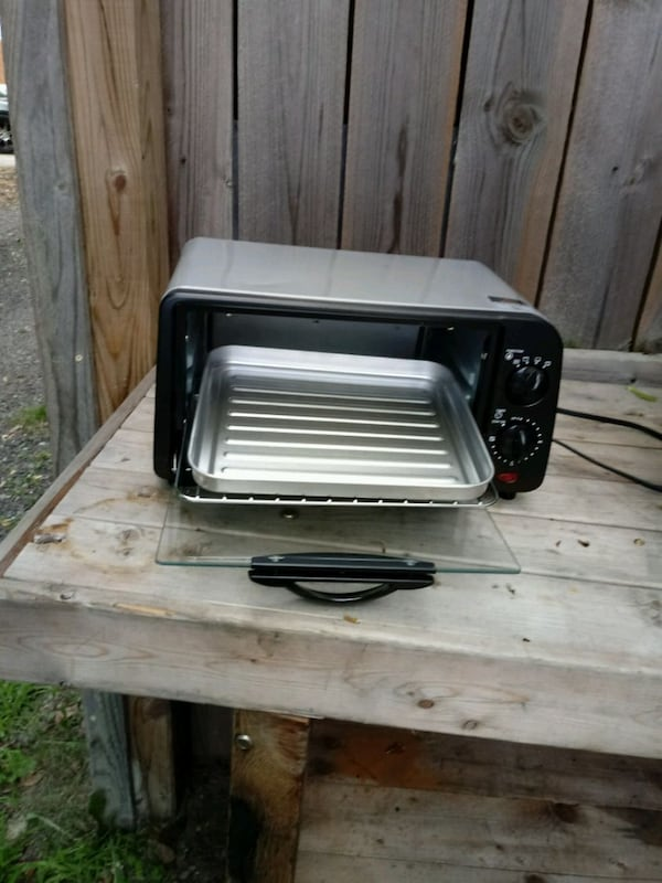 Toaster oven okay electron Home and Garden or othe 6f2943c0-cfcb-4337-bcf1-424b0956d060