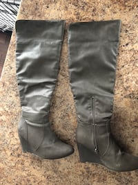 pair of gray leather side-zipped round toe wedge knee-high boots Minto, N0G 1M0