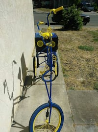 blue and yellow trike Vallejo, 94589