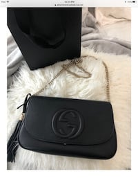 Authentic Gucci crossbody with silver chain Newmarket, L3X 0J4