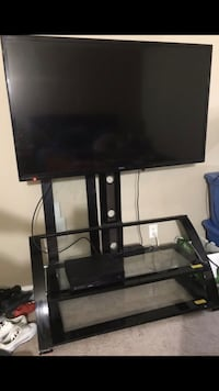 55in Seiki tv and Stand Newport News