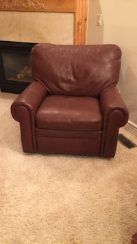 Brown leather recliner like new Draper, 84020