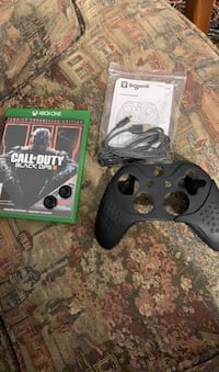 Bo3 Xbox, thumb grip, and controller grip and charger London, N6H 5G2